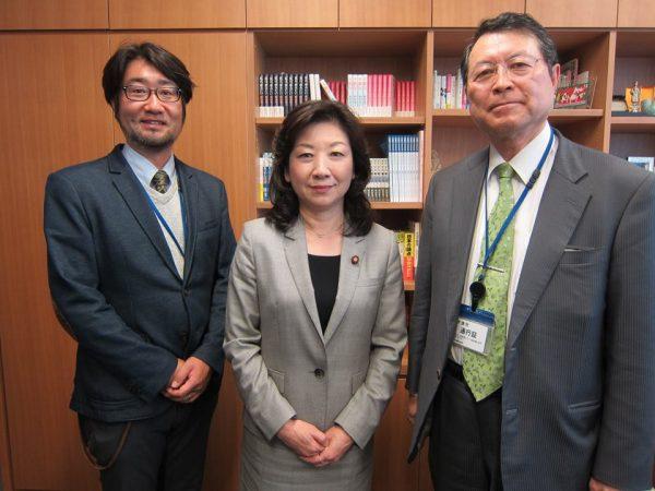 野田聖子先生と薬師寺先生と面会させていただきました。